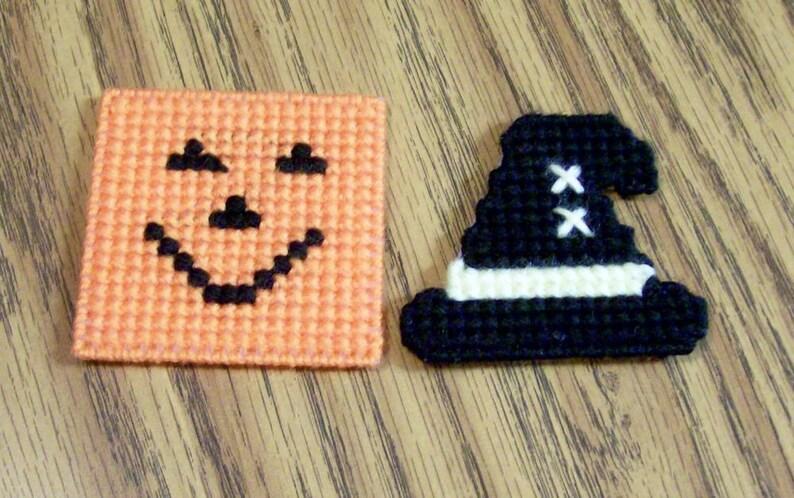 Set of 2 Halloween Plastic Canvas Magnets Witch Hat Handmade Jack O Lantern Kitchen Decor Needlecraft Pumpkin Fridge Cross Stitch