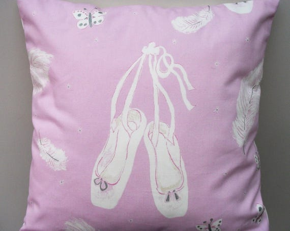Ballerina cushion cover, ballerina pillow, Ballet dancer gift, ballerina gift, ballet decor, gift for her, gift for ballet lover,