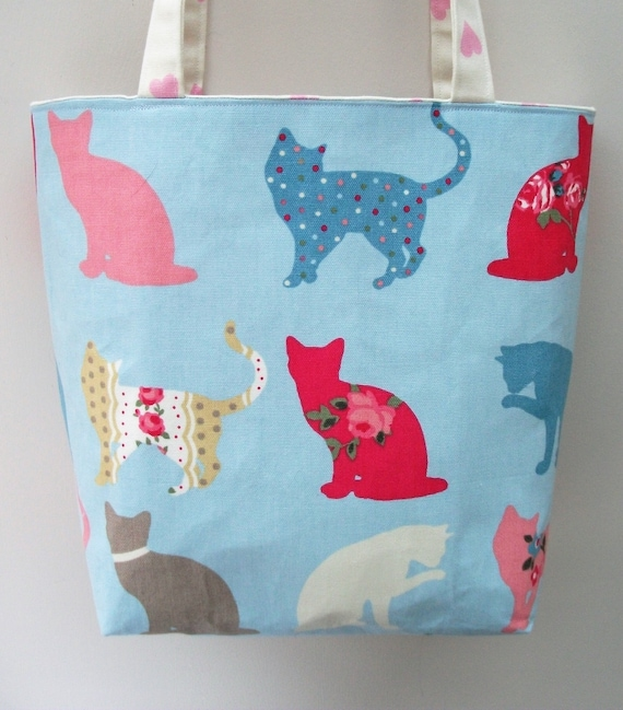 Cat themed bag, medium sized tote bag animal theme, Cat fabric tote bag, Lined canvas shoulder bag, Gift for cat lover, Cat bag gift