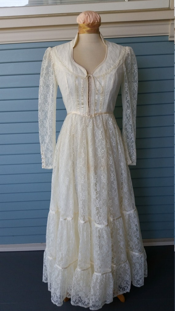 Vintage 1970s Gunne Sax Lace Wedding Dress