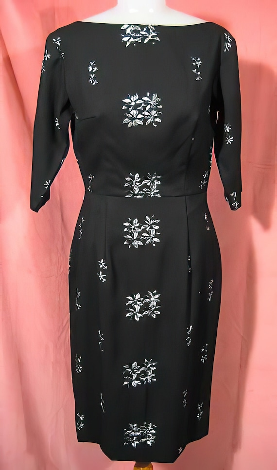 1950s Embroidered Wiggle Dress