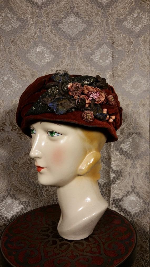 Vintage 1920s Teens Turban Hat in Velvet and Lame