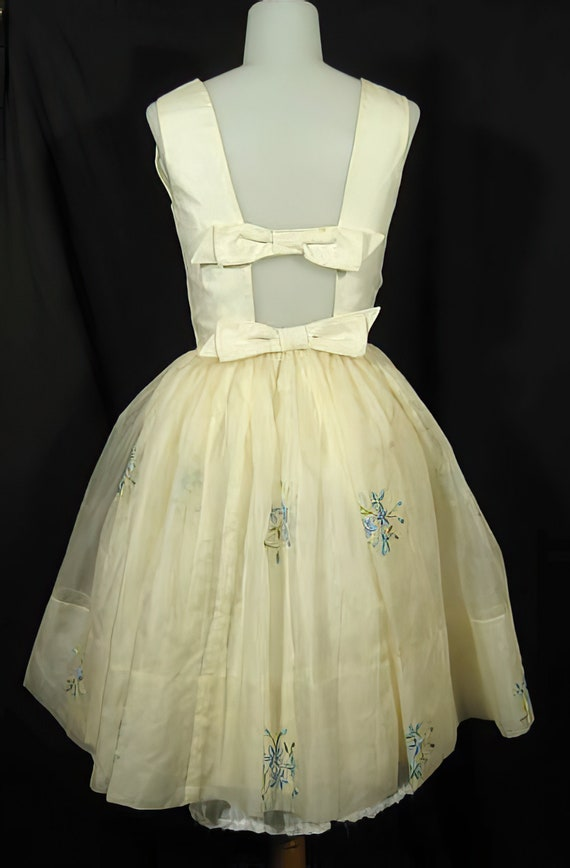 1950s Embroidered Party Dress Prom Cocktail - image 4