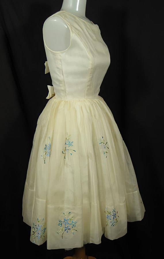 1950s Embroidered Party Dress Prom Cocktail - image 3