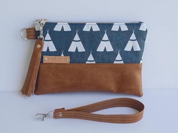 Vegan Leather Clutch Bag Teepee Wristlet Clutch Wallet Faux   Etsy 5b38ec520b