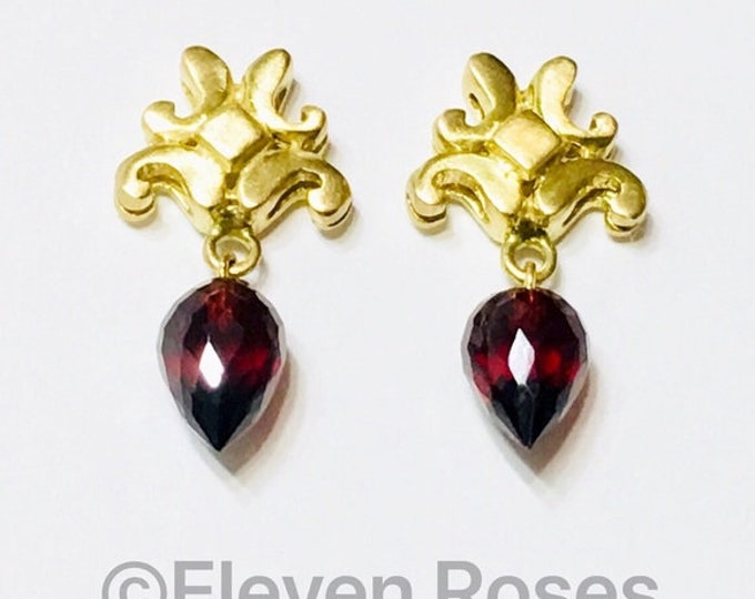 Robin Rotenier Fleur De Lis Garnet Briolette Gemstone Dangle Drop Earrings 750 18k Gold Free US Shipping