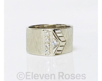 Vintage 585 14k White Gold Wide Band Diamond Buckle Ring Free US Shipping