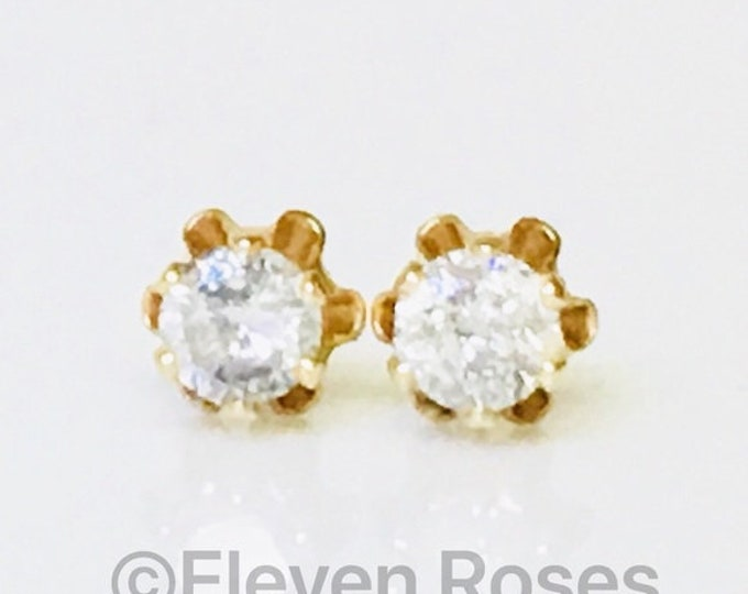 Vintage 585 14k Gold Natural Diamond Solitaire Stud Earrings Free US Shipping