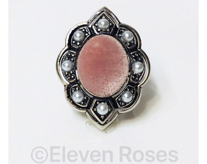 Gucci Rose Velvet Pearl Cocktail Ring Free US Shipping