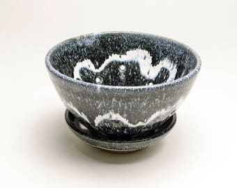 Berry COLANDER black & white stoneware with dish. SHIPPING INCLUDED
