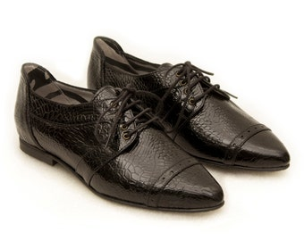 Black shoes // Pointy flats // Black oxford // Women shoes // Womens oxford shoes // Women flats // Leather shoes // Casual chic shoes