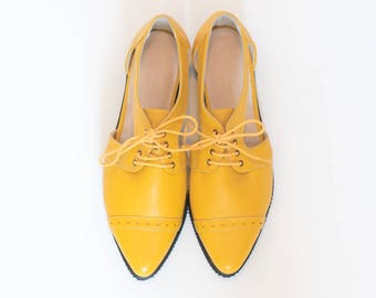 Yellow pointy flats // Platform oxford shoes // Yellow oxfords // Yellow shoes // Leather shoes // Tie shoes // Platform shoes, Cut outs