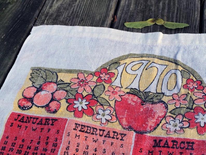 Vintage dish towel  Calendar motif  Linen tea towel  image 0