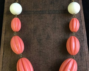 Chunky Vintage Fluted Lucite Beaded Necklace
