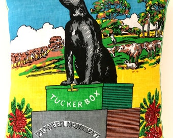 Vintage Retro /'5 Miles From Gundagai/' The Dog On The Tuckerbox Australian Cloth Patch Souvenir Collectible