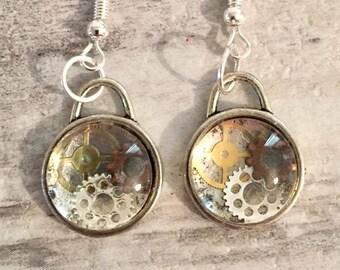 Steampunk Earrings Vintage Gears in Glass Domes, Steampunk Jewelry, Distressed Watch Parts, Silver Alloy, Steam punk Earrings, Neo-Victorian