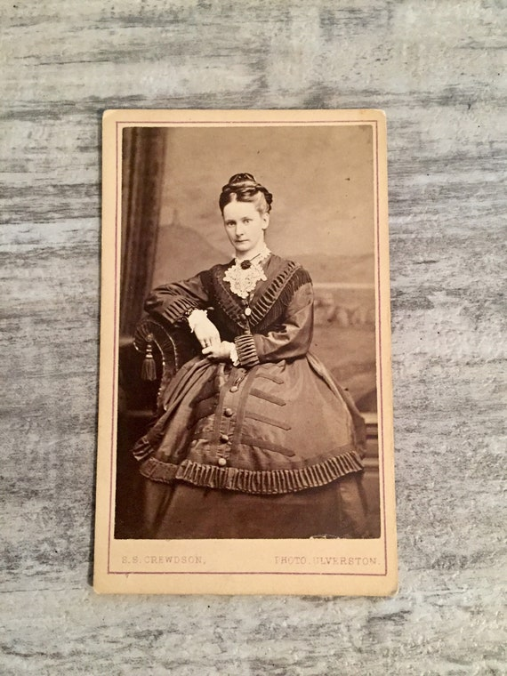 Antique Victorian Woman Carte De Visite CVD Small