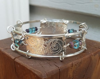 Beautiful bangle with Swarovski crystals