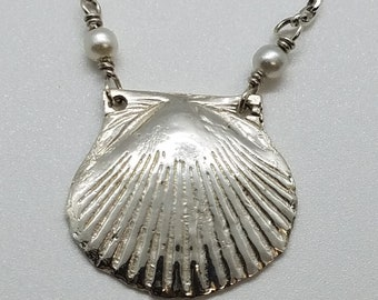 Delicate sterling silver seashell necklace with pearls