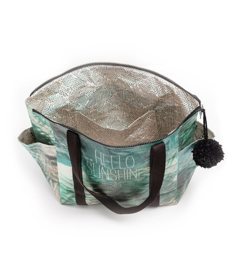 surf style Tyvek beach bag recyclable water-resistant eco-friendly Zipper Tote Bag \u201cHello Sunshine\u201d quote travel bag lightweight