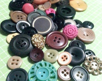 LOT 3: 50 Vintage Multicolored Buttons