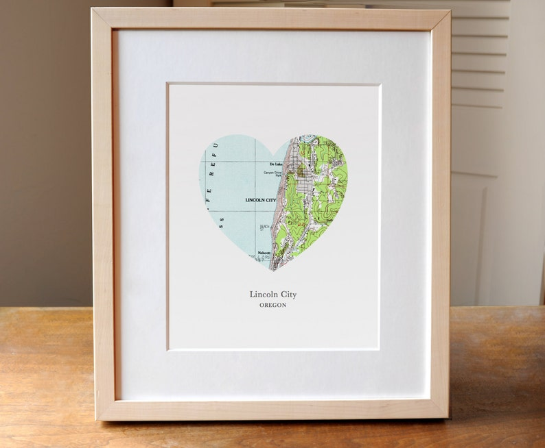 Lincoln City Oregon Heart Map Print Small Town Map Art image 0
