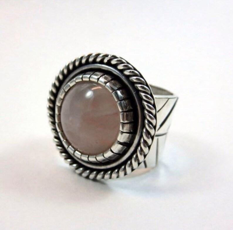 Desert Rose ring Rose quartz and sterling silver. Size 8. image 0