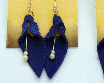Leather Dangle flower Earrings