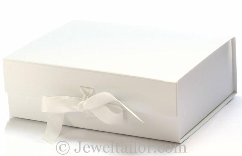 Luxurious Extra Large White Grosgrain Ribbon Tie Quality Gift Box 33cm An Ideal Weding Gift Keepsake Bespoke Hamper Or Presentation Box