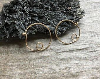 Small Scribble Hoops: 14k Gold