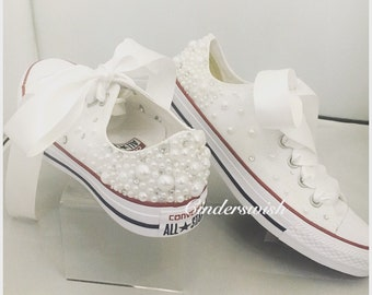 White Pearl Converse - All sides covered / Wedding converse / Bridal chucks / Bridal converse / Crystal shoes/ bridesmaid converse / pretty