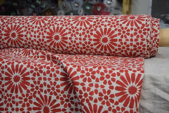 """SWATCH (sample) 12x12cm (5x5""""). Pure 100% linen fabric Gloria Red Flowers 200gsm (5.90oz/yd2). Red pattern, undyed flax. Washed-softened."""