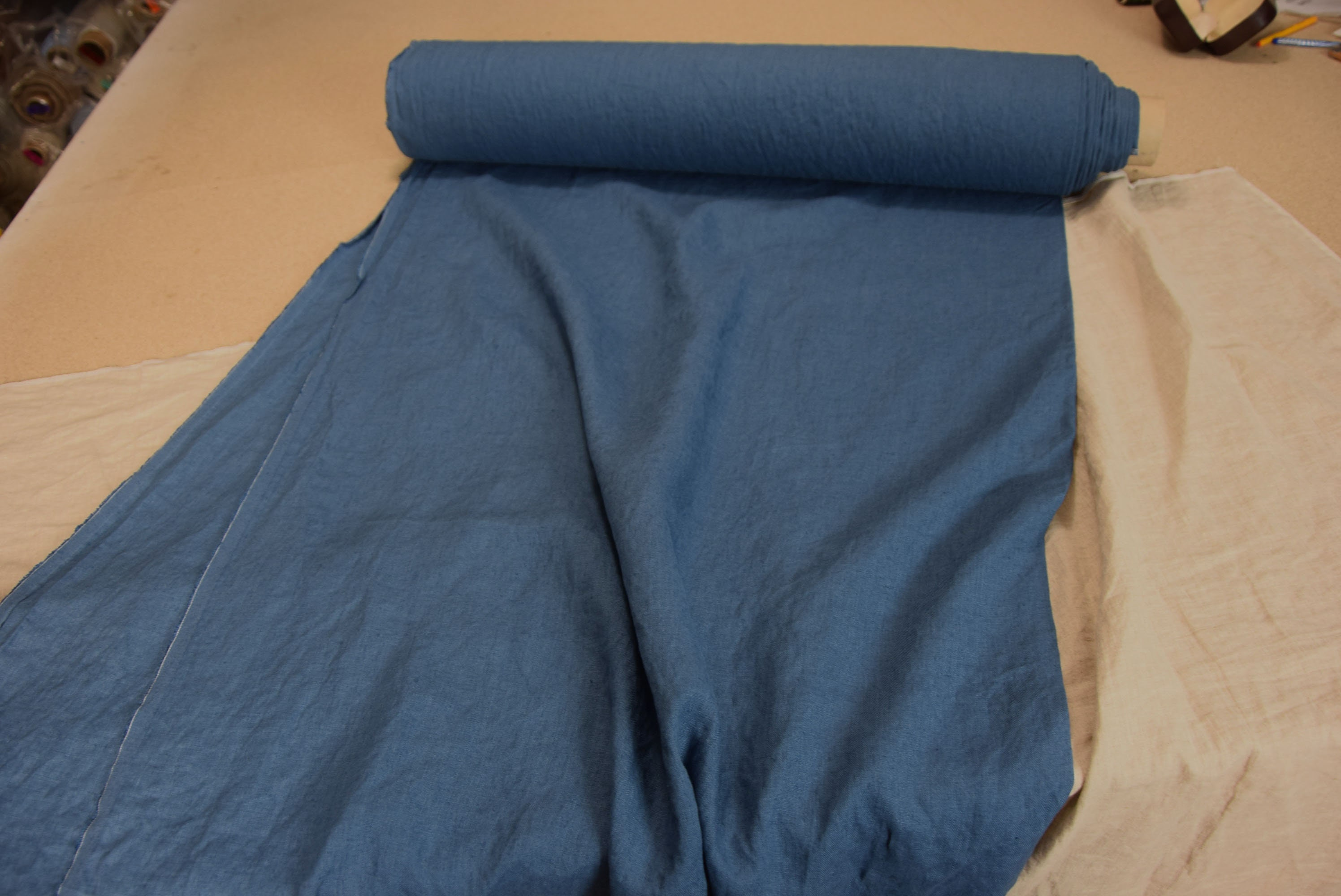 rich but not too bright shade of blue with a little azure hue Washed Deep Pure 100/% linen fabric Gloria California Blue 190gsm softened.