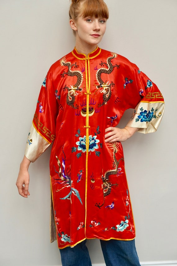 1930s 40s Chinese red silk embroidered robe