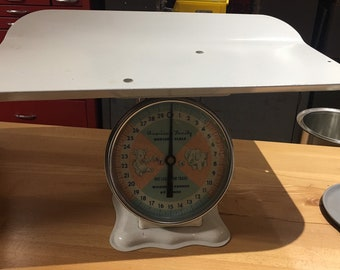 Vintage White American Family Nursery Scale Weight Baby Infant