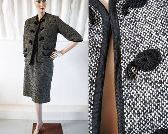 1950s-60s Chanel Inspired Monochrome Tweed Suit with Box Jacket / 50s Suit 60s Suit / Vintage Wool Suit / SIZE UK 10