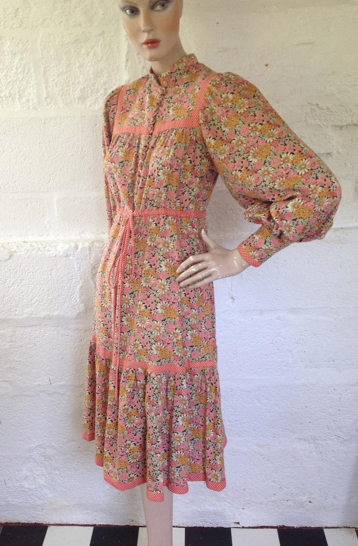 0c3a2d3293 1970s Fine Feathers Thorpe Floral Liberty Print Folk Dress
