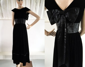 1940s-50s Midnight Black Silk Velvet Evening Dress with Satin Ribbon / SIZE UK 10-12