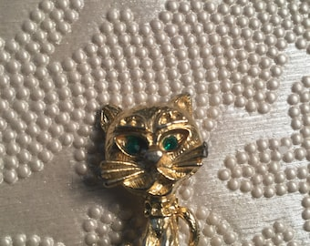 Vintage Green Eyed Kitty Cat pin -Gold tone