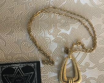 Vintage Gold tone chain & Modern Pendant