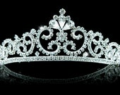 Exquisite Bridal Vintage Style Queen Crystal Tiara (495)