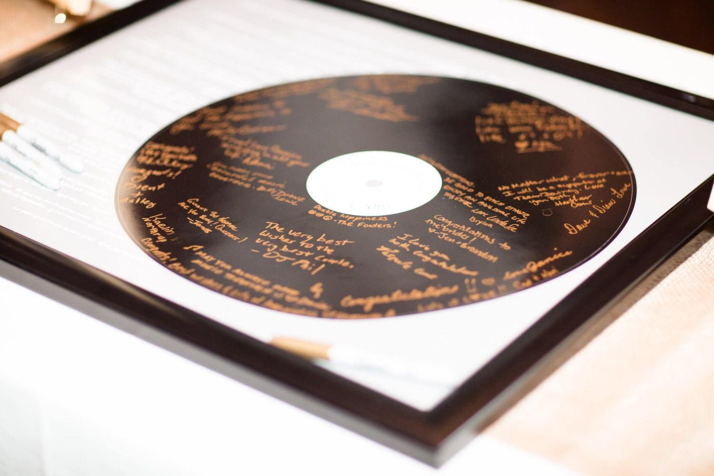 Realistische Schallplatte Hochzeit Lied Guest Book