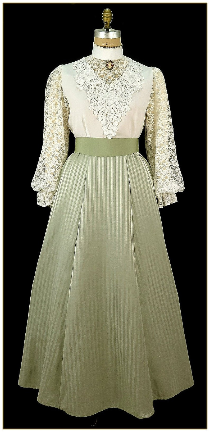 Edwardian Ladies Clothing – 1900, 1910s, Titanic Era 1890 -1905 Victorian Sage Two Tone Stripe Skirt $65.00 AT vintagedancer.com