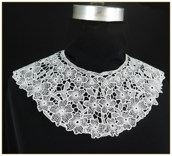 Victorian Clothing, Costumes & 1800s Fashion Victorian Lace Collar $19.00 AT vintagedancer.com
