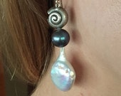Sterling Silver Sea Shell Dangle Earrings Black and White Pearls