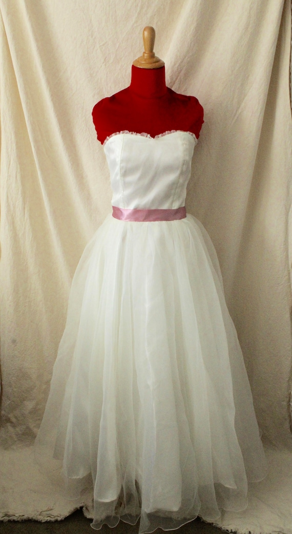 1950s Strapless White Ball Gown Wedding Dress