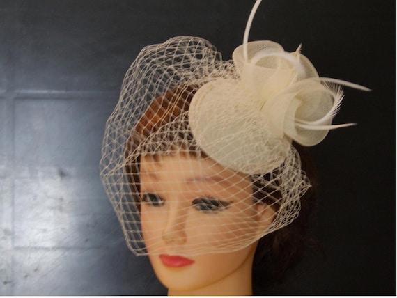 da6fae080ddc5 Vintage 1940s-50s Fascinator Veil Hat White Ivory Tear drop