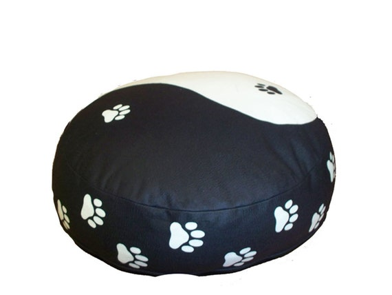 Amazing Yin Yang Round Dog Bed Dogzzzz Tired Of The Same Old Plaids And Stripes Brings The Rugged Outdoors In Makes It Fun Free Shipping Gmtry Best Dining Table And Chair Ideas Images Gmtryco
