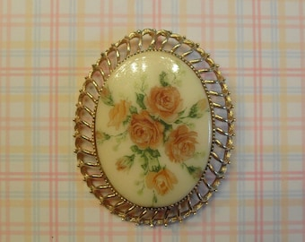 Vintage Brooch /Pendant Floral Peach Roses  Cabachon Oval