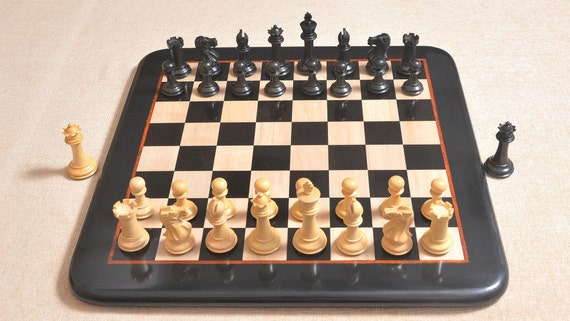 The Classic 101 Staunton Series Club Size Wooden Chess Pieces In Ebony /&Box Wood